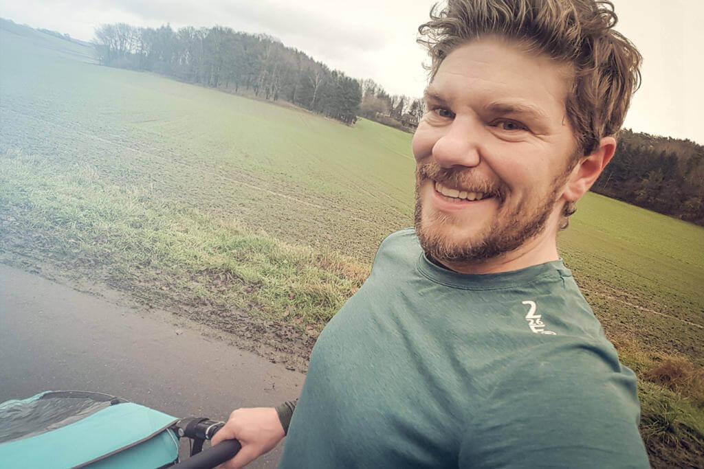 Nis Sienknecht startet in Triathlon Training