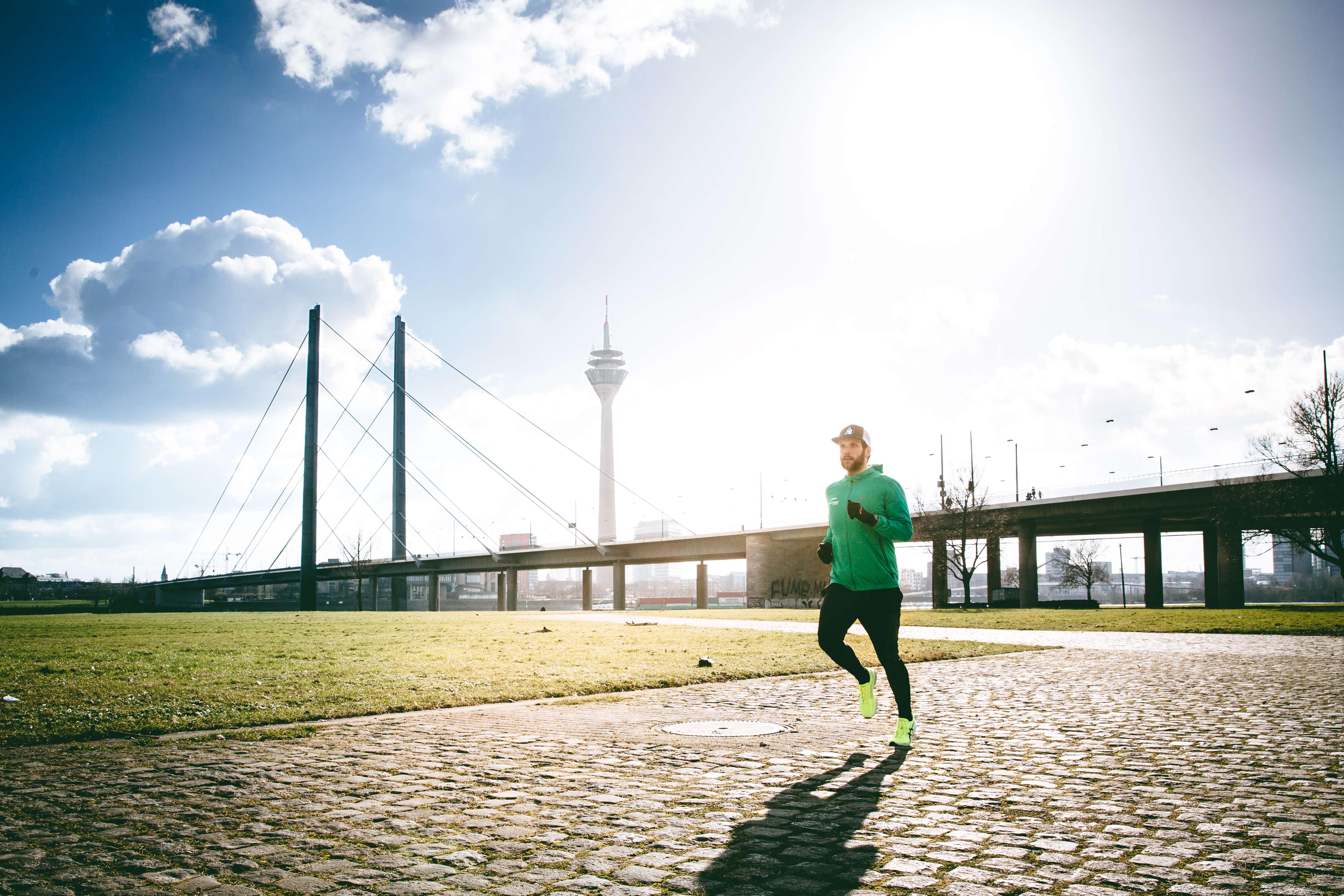 Laufen in der Sonne macht fit und gesund