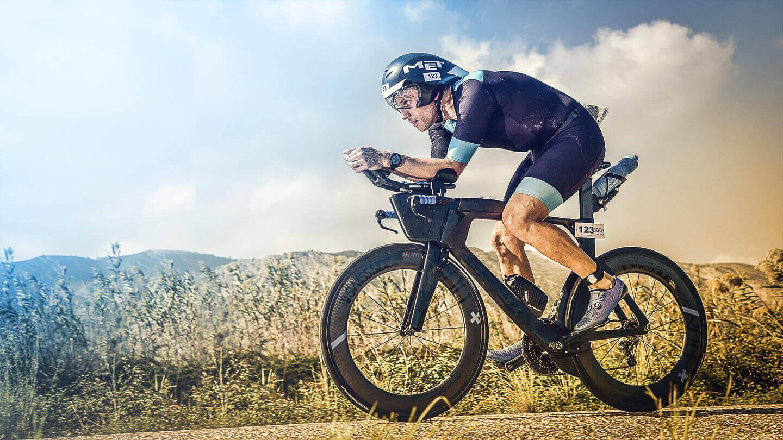 Das Radfahren ist die wichtigste Disziplin für den Triathlet
