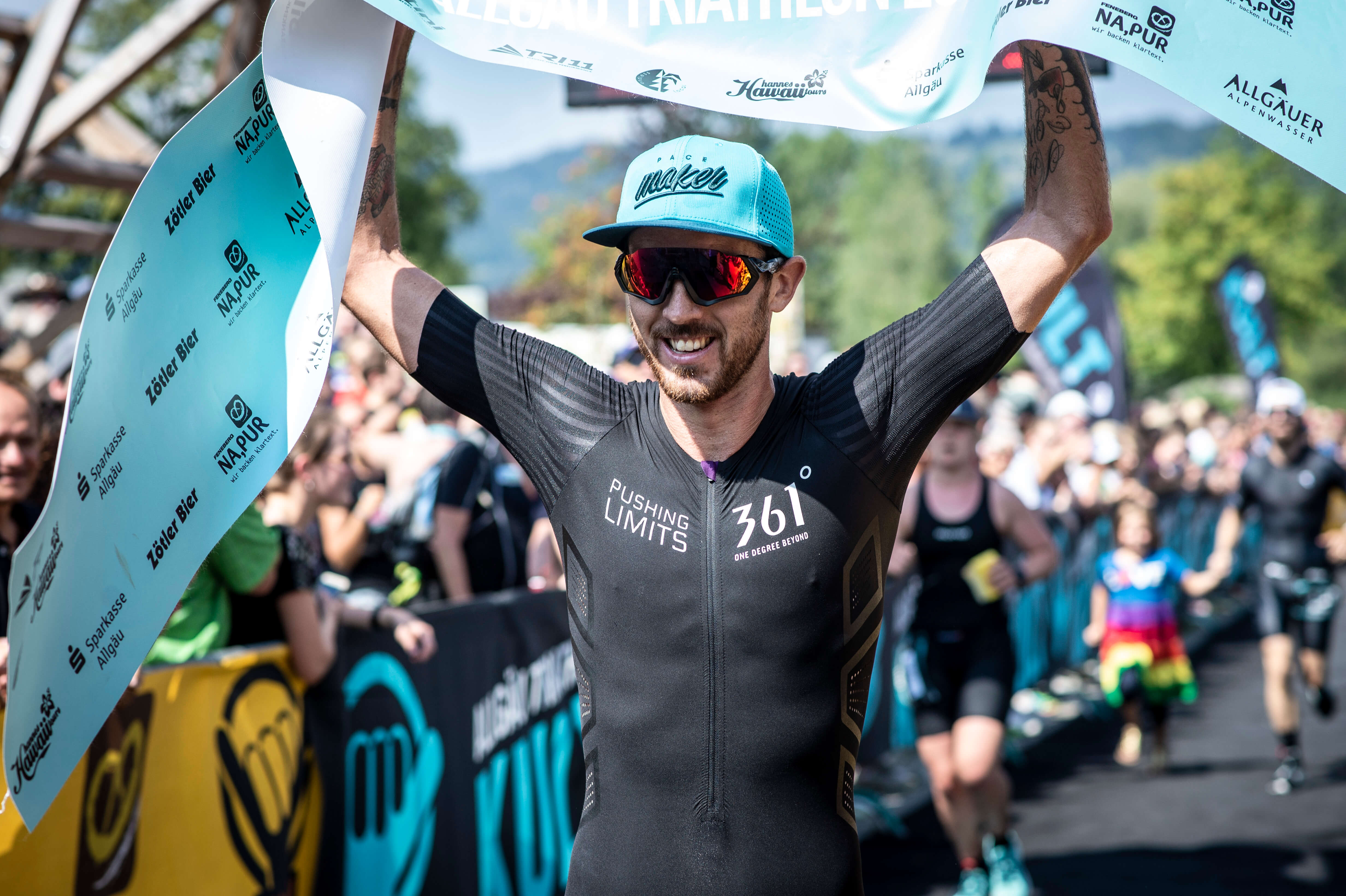 Niclas-Bock-Allgäu-Triathlon-Finish